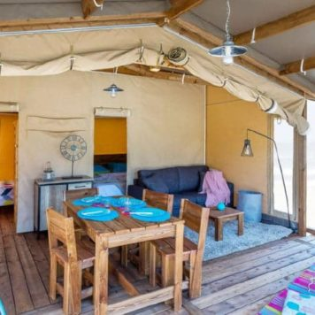 Intérieur de notre Tente Lodge safari cotton