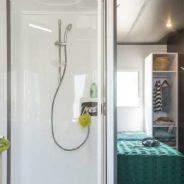 Salle de bain de notre mobil home cottage Taos F6